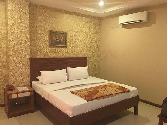 HOTEL CHITRA PARK (Tiruchendur, Tamil Nadu) - Hotel Reviews