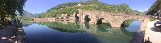 Борго-а-Моццано, Италия: ponte del diavolo o ponte della maddalena