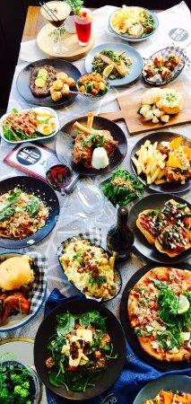 East Maitland, Australia: Food for days