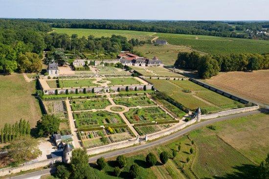 Chateau de Valmer - Vins et Jardins