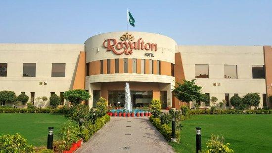 Royalton Hotel 76 8 9 Updated 2020 Prices Reviews Faisalabad Pakistan Tripadvisor