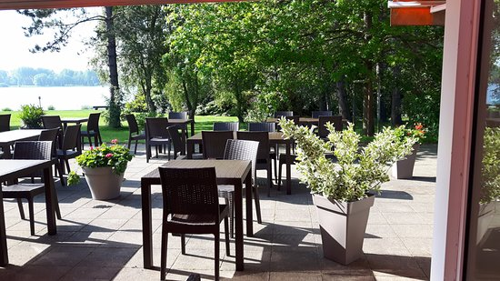 Armbouts-Cappel, France: La terrasse du QUALITY HOTEL DUNKERQUE ***