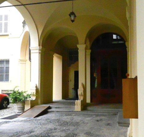 Palazzo Sannazzaro