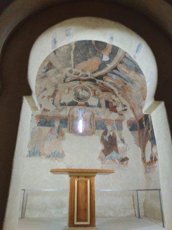 Gormaz, Spanyol: Arco mozárabe de acceso al magnífico ábside
