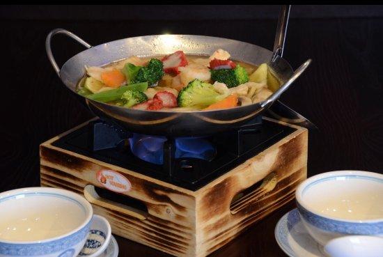 Oskaloosa, IA: Chuong Garden Chinese Restaurant