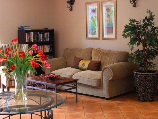 Hethersett Guest House: Reception Lounge Area