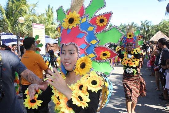 Amana Waterpark: Parade
