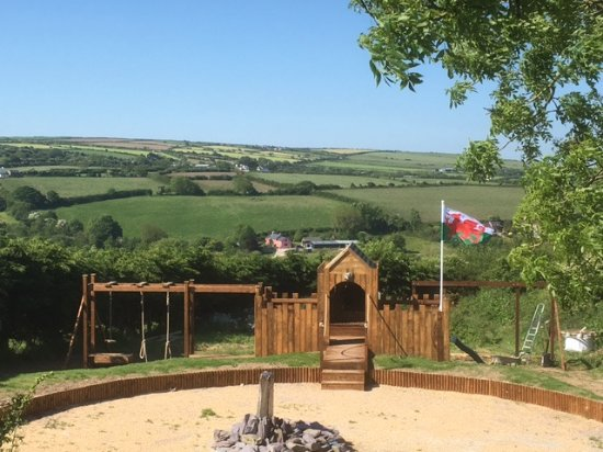 Moylegrove, UK: Brand new children's outdoor play area now open!