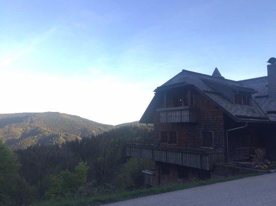 Bad Peterstal-Griesbach, Alemania: Außenansicht mit tollen Talblick