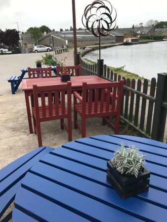 Carnforth, UK: Patio refreshed, summer 2017