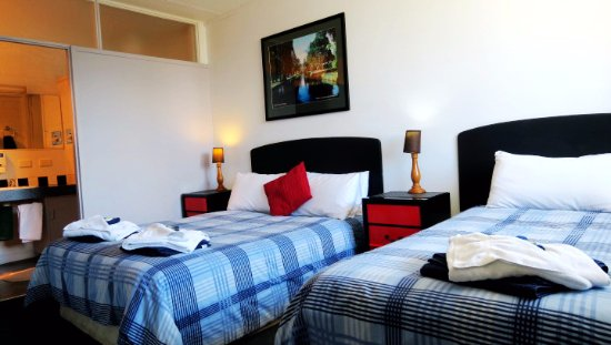 New Norfolk, Australia: Family 3 double and single beds