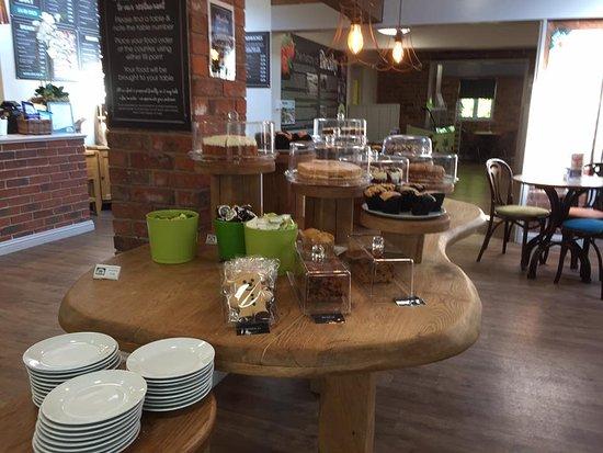 Burton upon Trent, UK: Cake Table :o)