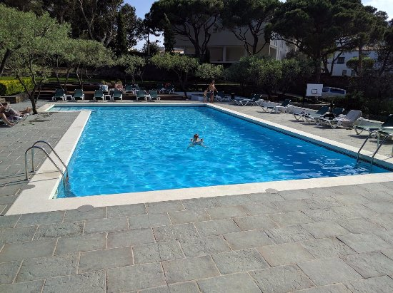 Piscine chauff e photo de hotel playa sol cadaques for Prix piscine chauffee