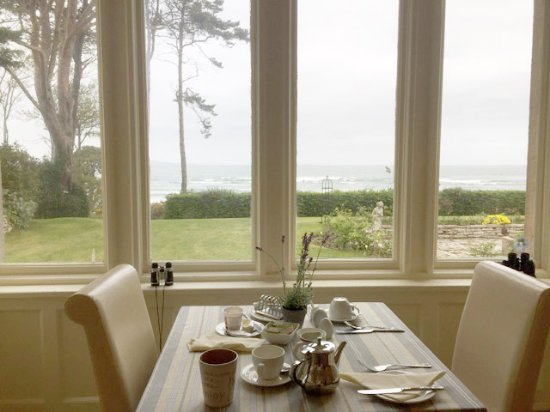Invernairne Hotel: View from the breakfast room