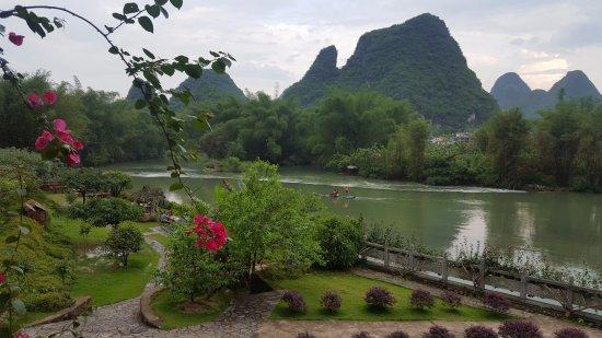Yangshuo Mountain Retreat Picture