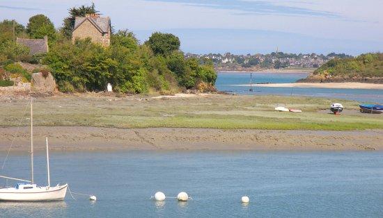 Les Canoes du Guildo: le port du Guildo en Bretagne