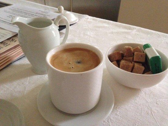 Mazan, Francia: Morning coffee