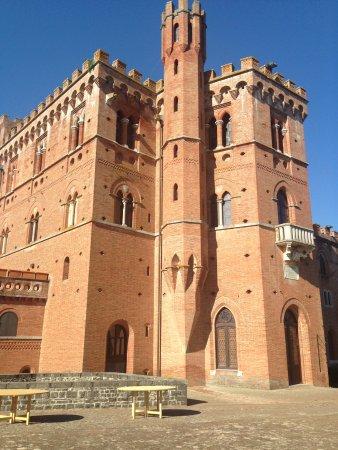 Гайоле-ин-Кьянти, Италия: Castello di Brolio 1
