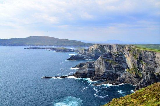Portmagee, Ireland: Kerry cliffs con Valentia Island al fondo