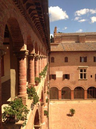 Asciano, Italië: Monte Oliveto Maggiore 5