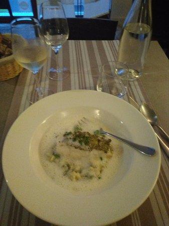 Casse-Cailloux : Plat poisson, crème blanche et brocolis.