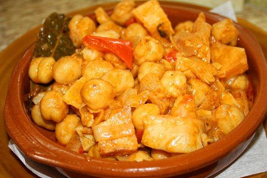 Firgas, España: Ropa Vieja, cada fin de semana es de nuestros platos más demandados.