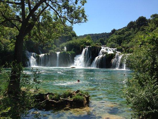 Sibenik-Knin County, Croácia: The most delightful spot for a swim