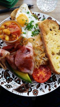 Marrickville, Australia: Breakfast on a teeny plate