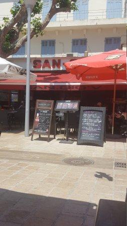 Restaurant le san gio 39 v dans martigues avec cuisine for Restaurant le miroir martigues