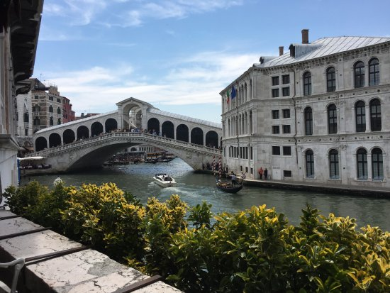 Al Ponte Antico Hotel: Fabulous view of the Rialto Bridge
