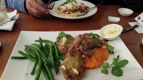 Rosebud, Australia: lamb cutlets and sweet potato mash with beans- yum