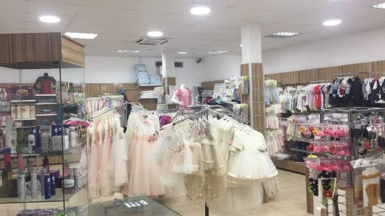 Nouakchott, Mauretanien: MARCHE TURC CLOTHING STORE FOR MEN WOMEN AND KIDS
