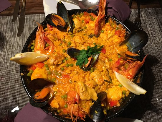 Sarstedt, Germany: Paella