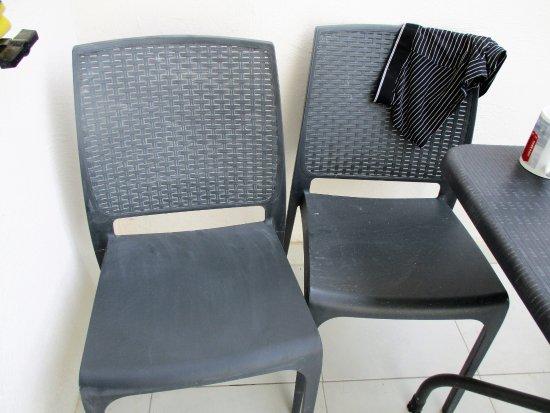 Porto Azzurro: State of patio furniture