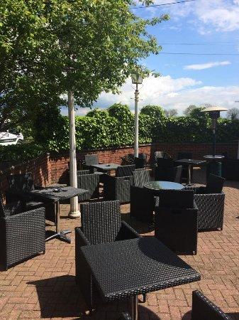 Draycott in the Clay, UK: Patio Area