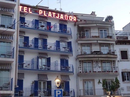 Hotel Platjador: External view of the hotel
