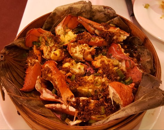Lauderdale Lakes, FL: Steamed lobster with garlic & ginger