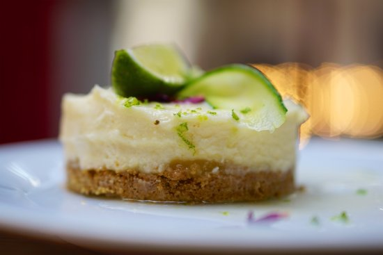 Taunton, UK: Hendrick's gin and lime cheesecake