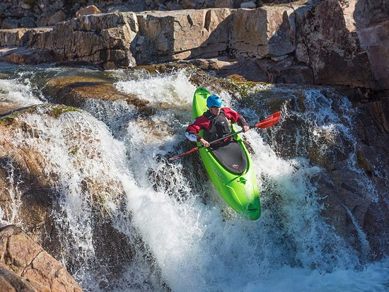 Fort William, UK : Whitewater kayaking on the River Etive