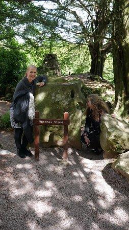 สวนและปราสาทบลาร์นีย์: Witches