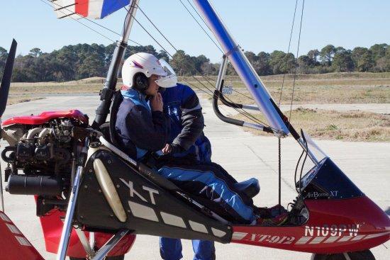 Fernandina Beach, FL: Safety check before flight