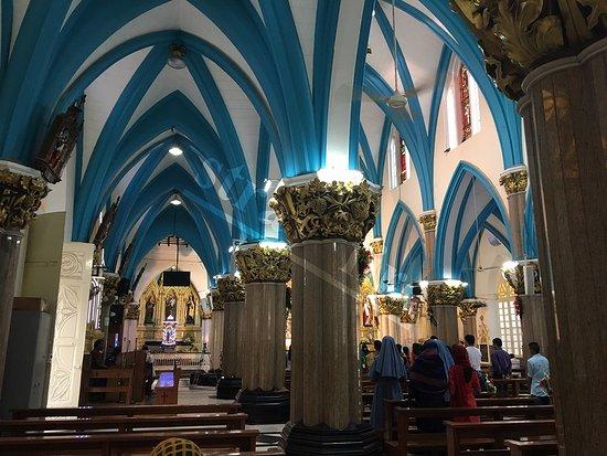 St. Mary's Basilica: Inside the church