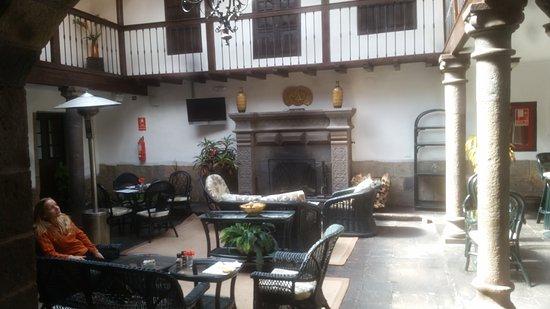 Tierra Viva Cusco Plaza: Estar y desayunador