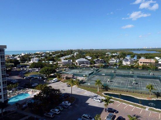 Bonita Beach & Tennis Club : Looking North.