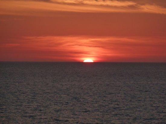Bonita Beach & Tennis Club : The sunsets are amazing.
