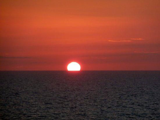 Bonita Beach & Tennis Club : Same old boring sunsets !