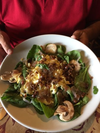 Fort Mitchell, KY: Spinach Salad