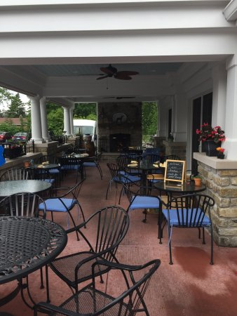 Fort Mitchell, KY: The outside patio