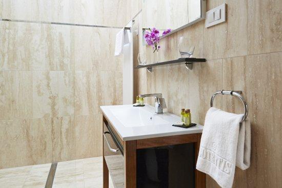 Mad, Ungarn: Suite's Bathroom