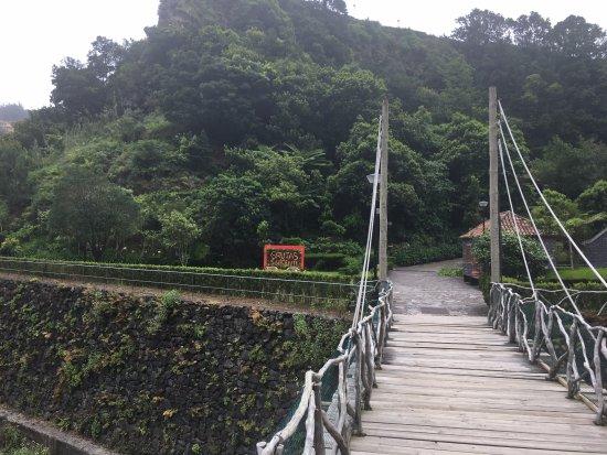Sao Vicente Caves &  Volcanism Centre: Droga do jaskini